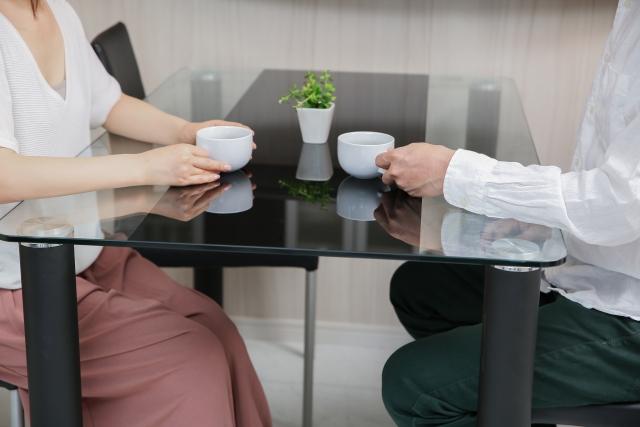 女性との会話で好印象を与えるテクニックを解説します